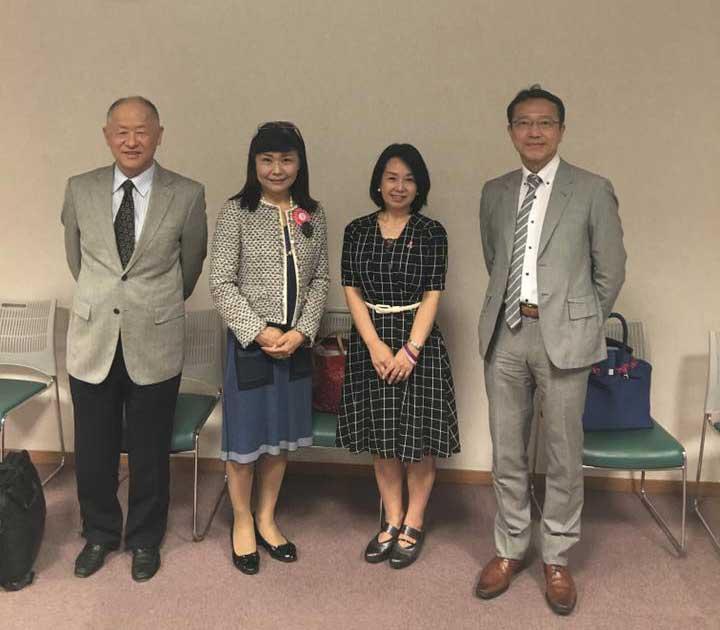 右から黒住昌史先生、増田、栗原和江さん、櫻井孝志先生